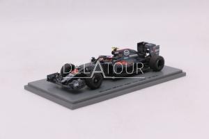 F1 McLaren MP4-31 J. Button Halo Test 2016