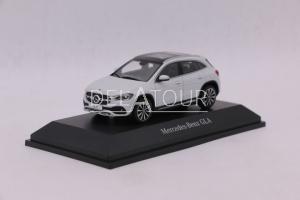 Mercedes-Benz GLA (H247) White